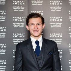 Ang gwapo ni Tom Holland dito promise! #Philippines #FilipinoFan #KInsularpins