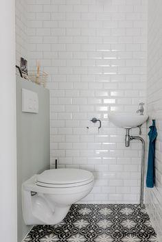 Badkamer make over met Portugese tegels voor een hotel chic look