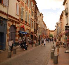 Toulouse - Rue Pietonne Ville Rose, Toulouse France, France Europe, Pedestrian, Architecture, Street View, 19th Century, Brick, Arquitetura