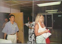 Adriane Galisteu e Ayrton Senna em Bora Bora no Taiti, ilha da Polinésia Francesa -Fonte: http://3.bp.blogspot.com/-P1B5pLhG_F0/USQD-zglLdI/AAAAAAAAEoI/rOz_9ai2lSc/s1600/383236_10150478555234947_193329199946_8927798_2134724576_n.jpg