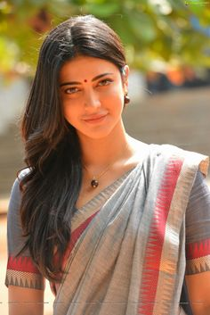 shruti haasan in premam, shruti haasan in saree% Beautiful Girl Indian, Most Beautiful Indian Actress, Beautiful Saree, Beautiful Models, Shruti Hassan Saree, Beauty Full Girl, Beauty Women, Bollywood Hairstyles, South Indian Actress Photo