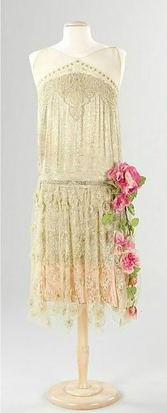 Ivory silk drop-waist French evening dress with pink roses, ca 1925: