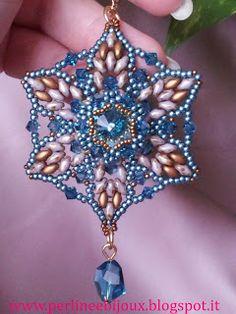 Handmade pendant with superduo and rivoli Swarovski  http://www.misshobby.com/it/negozi/perline-e-bijoux  https://www.facebook.com/pages/Perline-e-Bijoux/222239377917891  http://perlineebijoux.blogspot.it/