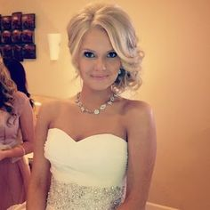 Amazing 1000 Images About Prom On Pinterest Prom Dresses Curly Side Short Hairstyles Gunalazisus