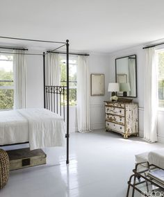 Mona-Nerenberg-Bloom-Sag-Harbor-Elle-Decor-habituallychic-- I love these white floors for a bedroom. Farmhouse Bedroom Decor, Home Bedroom, Bedroom Ideas, Bedroom Designs, Serene Bedroom, Master Bedroom, White Painted Floors, Painted Floorboards, White Decor