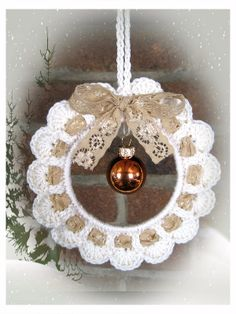 Handmade by Ann - With love: KersthangerHandmade - crochet Christmas decoration - with heart in the center for valentine day - with egg for Easter - shabby chicThe Englisch pattern will be available as soon as possibleRavelry is a community site, an Crochet Christmas Wreath, Crochet Wreath, Crochet Christmas Decorations, Christmas Crochet Patterns, Crochet Ornaments, Holiday Crochet, Christmas Knitting, Crochet Crafts, Crochet Yarn