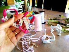 #Havaianas#chinelos#rasteirinhas# pedrarias#flatgum#Rudinea#Irolinda #linda#arteira#presentes#moda#sandálias#calçados#cintos#couro#havaianomaniacos#bomgosto# elegância#havaianascustomizadas#fashion#estilo#beleza#moda#sigaoverao#  ⛅Coleção nova www.lindarteirahavaianas.com.br  www.elo7.com.br (em breve )  Enviamos para o Brasil e exterior;  Frete único R$20.00 (PAC); Frete grátis acima de R$200,00;  Pagamento via Pagseguro,  cartão,  boleto bancário,  depósito em conta;  COMPRAS ☎WhatsApp 12…