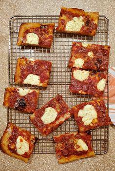 Grandma Pizza Dough Recipe from Perfect Pan Pizza Grandma's Pizza, Pizza Pastry, Pastry Chef, Freeze Pizza Dough, No Knead Pizza Dough, Deep Dish, Pizza Recipes, Cooking Recipes, Bread Recipes