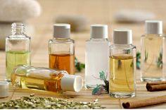Regardez ce qu'une application d'huile sur le visage tous les soirs peut faire pour vous : Utiliser l'huile comme nettoyant du visage peut sembler étrange, on se demande pourquoi on ajouterait de l'huile sur une peau déjà grasse?Je comprends votre confusion. Cependant, si vous y réfléchissez, l'huile que vous allez ajouter va forcer le sébum à nettoyer les impuretés.