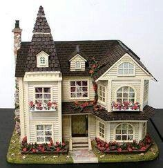 Doll house exterior inspiration 55 Ideas for 2019 Victorian Dolls, Victorian Dollhouse, Modern Dollhouse, Miniature Houses, Miniature Dolls, Dollhouse Kits, Dollhouse Miniatures, Mini Doll House, Fairy Houses