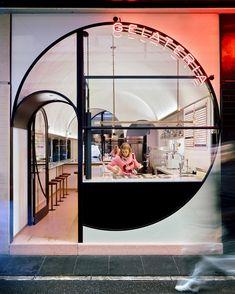 65 ideas exterior design store spaces for 2019 Shop Front Design, Design Shop, Store Design, Design Design, Showroom Design, Design Commercial, Commercial Interiors, Store Concept, Restaurant Interior Design