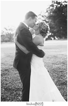 Tagalong Golf Course | Real Wedding | Twin Cities Wedding Photography | Sunset Kiss | Black and White