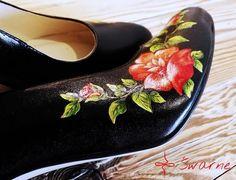 Ahh... Jak ja uwielbiam wysyłać malowane buty :) Kto ma ochotę na takie cuda?       #folk #ludowewzory #idealne #naludowo #goralka #folk #goralskiewesele #goralskieklimaty