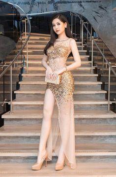 Women With Beautiful Legs, Beautiful Girl Photo, Beautiful Asian Girls, Ulzzang Fashion, Asian Fashion, Girl Fashion, Fashion Dresses, Mode Outfits, Sexy Outfits