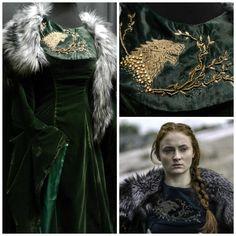 Green Velvet Dress, Black Satin Dress, Green Dress, Larp Costumes, Movie Costumes, Costume Ideas, Game Of Thrones Costumes, Fantasy Gowns, Sansa Stark