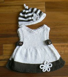 Knit baby dress, classic - how to, only because my monster girl is too big . Baby Knitting Patterns, Knitting For Kids, Crochet For Kids, Knit Crochet, Crochet Patterns, Knit Baby Dress, Crochet Baby Clothes, Baby Sweaters, Clothing Patterns