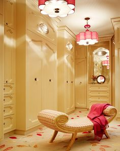 I heart those light fixtures... and of course who doesn't want a closet like this!
