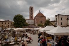 Lucca, Antique Market