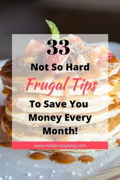 Here are your top 33 saving money tips on groceries that you need in Living frugal does not need to hinder your lifestyle! Living On A Budget, Family Budget, Frugal Living Tips, Frugal Tips, Budget App, Budget Meals, Monthly Budget, Save Money On Groceries, Save Your Money