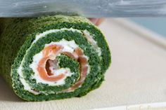 rollo salmon espinacas receta paso a paso Salad Recipes, Keto Recipes, Vinegar Dressing, Barbacoa, Dinner Rolls, Light Recipes, Avocado Toast, Sushi, Food And Drink