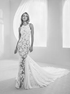 Mermaid style dress with transparencies along the entire silhouette - Raisel - Pronovias | Pronovias