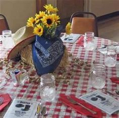 western theme table centerpieces - Bing Images Western Centerpieces, Cowboy Party Centerpiece, Picnic Centerpieces, Cowboy Party Decorations, Western Table Decorations, Cowboy Theme Party, Cowboy Birthday, 13th Birthday, Centerpiece Ideas