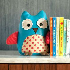 Adorable owl bookend http://www.laylagrayce.com/Products/Skip-Hop-Zoo-Bookends-Owl__SK322502.aspx