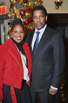 Denzel Washington attended the New York City premiere of his new film, Fences, on Monday with one very gorgeous date: his wife of more than 33 years, Pauletta Denzel Washington Wife, Black Celebrities, Celebs, Husband And Wife Love, Music People, Los Angeles California, Black Love, Gta, Couple Goals