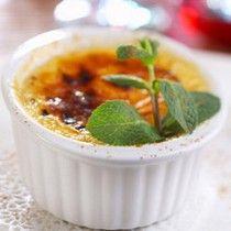 Winterliche Crème brûlée mit Backobst