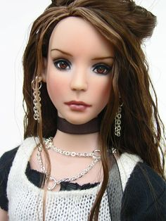 Amazing Ooak Chase Modeling Agency Ava Repaint Tonner Closed Repaints Rare Cool In Summer And Warm In Winter Dolls