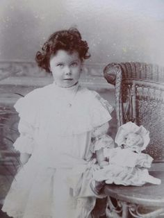 Antique CABINET CARD old Photo c1900 Cute LITTLE GIRL w Her Porcelain DOLL Toy