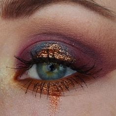 Eye Makeup Tips – How To Apply Eyeliner – Makeup Design Ideas Makeup Goals, Makeup Inspo, Makeup Art, Makeup Inspiration, Makeup Ideas, Gold Makeup, Glitter Makeup, Copper Eye Makeup, Makeup Salon