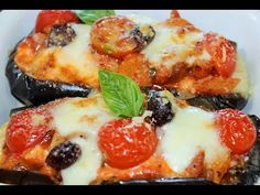 MELANZANE RIPIENE DI PASTA ALLA PARMIGIANA melanzane al forno MELANZANE GRATINATE RIPIENE di pasta - YouTube Pasta, Four, Video, Vegetable Pizza, Italian Recipes, French Toast, Baking, Vegetables, Breakfast