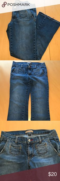 Juniors Tommy Hilfiger Jeans- 7 Tommy Hilfiger, size 7, this is Juniors size, perfect condition, these have the distressed Bottoms Tommy Hilfiger Jeans