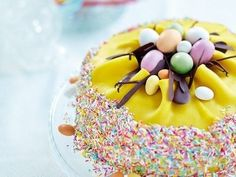 påsktårta baka tårta pask påskmat dekorera tips ide inspiration duka Easter Recipes, Holiday Recipes, Chocolate Easter Cake, Swedish Recipes, Easter Celebration, Hoppy Easter, Easter Dinner, Marzipan, No Bake Desserts