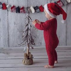 100 Best Kids Christmas Photography Ideas and Inspirations Christmas Mini Sessions, Christmas Minis, Babies First Christmas, Christmas Time, Christmas Photo Shoot, Christmas Photoshoot Ideas, Christmas Sweets, Christmas Ideas, Christmas Inspiration