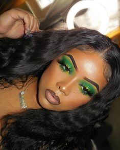 Beautiful Green eyeshadow in body wave curly hair : Body Wave Free Part Inch Lace Frontal Wig Human Hair Wig With Baby Hair Makeup Eye Looks, Creative Makeup Looks, Cute Makeup, Gorgeous Makeup, Pretty Makeup, Black Makeup Looks, Makeup Black Women, Full Face Of Makeup, Beat Face Makeup