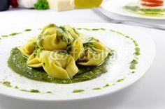 Tortellini with rucola pesto - Tortellini mit Rucola-Pesto
