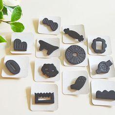 杉崎陽子さんのKUROブローチが届きました。少し大きめなサイズなので、これからの季節、アウターの胸元に付けても存在感があり良さそうです。 使い込むほど味わいが出る黒の革製ブローチ。男性の方が身に付けても素敵だと思いますー #革 #ブローチ #brooch #作家 #co_yo #杉崎陽子 #KURO #植物 #雑貨 #Kitowa #樹と環 #名古屋