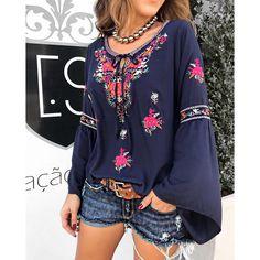 Acabamos de receber essa blusa maravilhosa meninas .. Blusa Célia | Shorts Jeans #JohnJohn Compras on line: www.estacaodamodastore.com.br