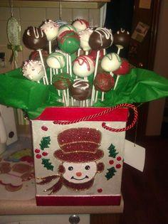 Christmas Cake Pop Centerpiece