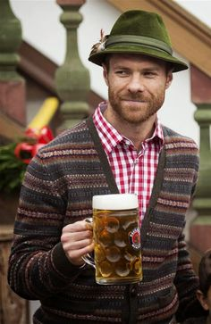 Welcome to Lakeleo's Blog: Photo of the day  #BayernMunichFc #XabiAlonso #Spain #Beer