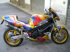 Honda CBR 1100 XX CBR 1100 XX Super Blackbird 1996-2005 Moto Honda CBR 1100 XX CBR 1100 XX Super Blackbird 1996-2005 vendo usato a firenze € 2.700 Honda, Firenze, Cbr, Motorcycle, Vehicles, Autos, Motorcycles, Car, Motorbikes