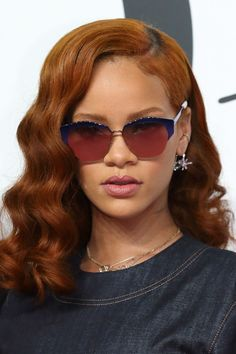 We've gathered our favorite ideas for Rihanna At Dior Fashion Show Tokyo June Explore our list of popular images of Rihanna At Dior Fashion Show Tokyo June Rihanna Hairstyles, Sleek Hairstyles, Curly Hairstyles, Street Style Rihanna, Mode Rihanna, Hair Color Auburn, Auburn Hair, Tattoo Rihanna, Rihanna Red Hair