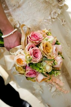 Wedding season is here!  Check out these fabulous bouquet ideas that are trending for 2016