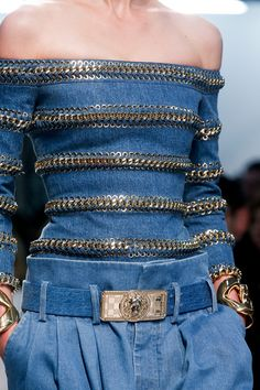Rocker style details make me want this top. Balmain Spring 2014 RTW - Details - Fashion Week - Runway, Fashion Shows and Collections - Vogue Fashion Details, Love Fashion, High Fashion, Fashion Show, Fashion Design, Fashion Ideas, Trendy Fashion, Fall Fashion, Fashion Mode