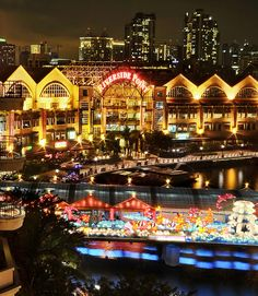 this was one of our favorit places to visit in Singapore. It was a breath of fresh air. The Riverside Point at Clarke Quay - Singapore