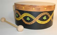 Hands On Crafts for Kids ~ Bodrahn and tipper I bet we could make these with sturdy paper plates stapled together. For the tipper, we could get skewers and small plastic balls. Drums For Kids, Drum Lessons For Kids, Celtic Crafts, Drum Craft, Renaissance Music, Ireland Culture, Around The World Theme, Cultural Crafts, Medieval