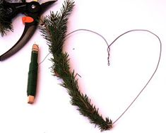 Suvikumpu: HAVUSYDÄN JA -KRANSSI - ohje Christmas Swags, Christmas Flowers, Xmas, Hobbies And Crafts, Diy And Crafts, Diy Wreath, Make It Yourself, Gifts, Party Ideas