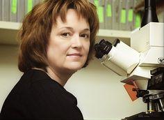 Linda Diane Brown Buck, (nacida el 29 de enero de 1947) es una bióloga, médica y profesora estadounidense. Conocida por sus trabajos sobre sistema olfatorio. Obtuvo junto a Richard Axel el Premio Nobel en Fisiología o Medicina de 2004 por sus trabajos sobre los receptores olfatorios.